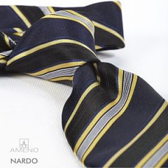 Click image for larger version.  Name:nardo-striber-stribet-navy-sort-gul-hvid-slips-silke-tilbehoer-hals-fra-ameno-black-yellow-white.jpg Views:3 Size:18.0 KB ID:30645