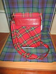 Click image for larger version.  Name:Tartan and leather bag (red).jpg Views:10 Size:172.9 KB ID:30066