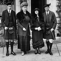 Click image for larger version.  Name:King George V and Queen Mary - Aberlour, Scotland.jpg Views:40 Size:192.7 KB ID:33857