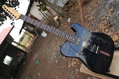 Click image for larger version.  Name:guitar6.JPG Views:30 Size:57.4 KB ID:38029