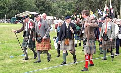 Click image for larger version.  Name:20190720_Lochearnhead Games March of the clans--3sm.jpg Views:128 Size:445.5 KB ID:37148